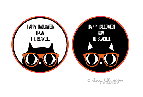 Cat round halloween goodie tags - set of 24