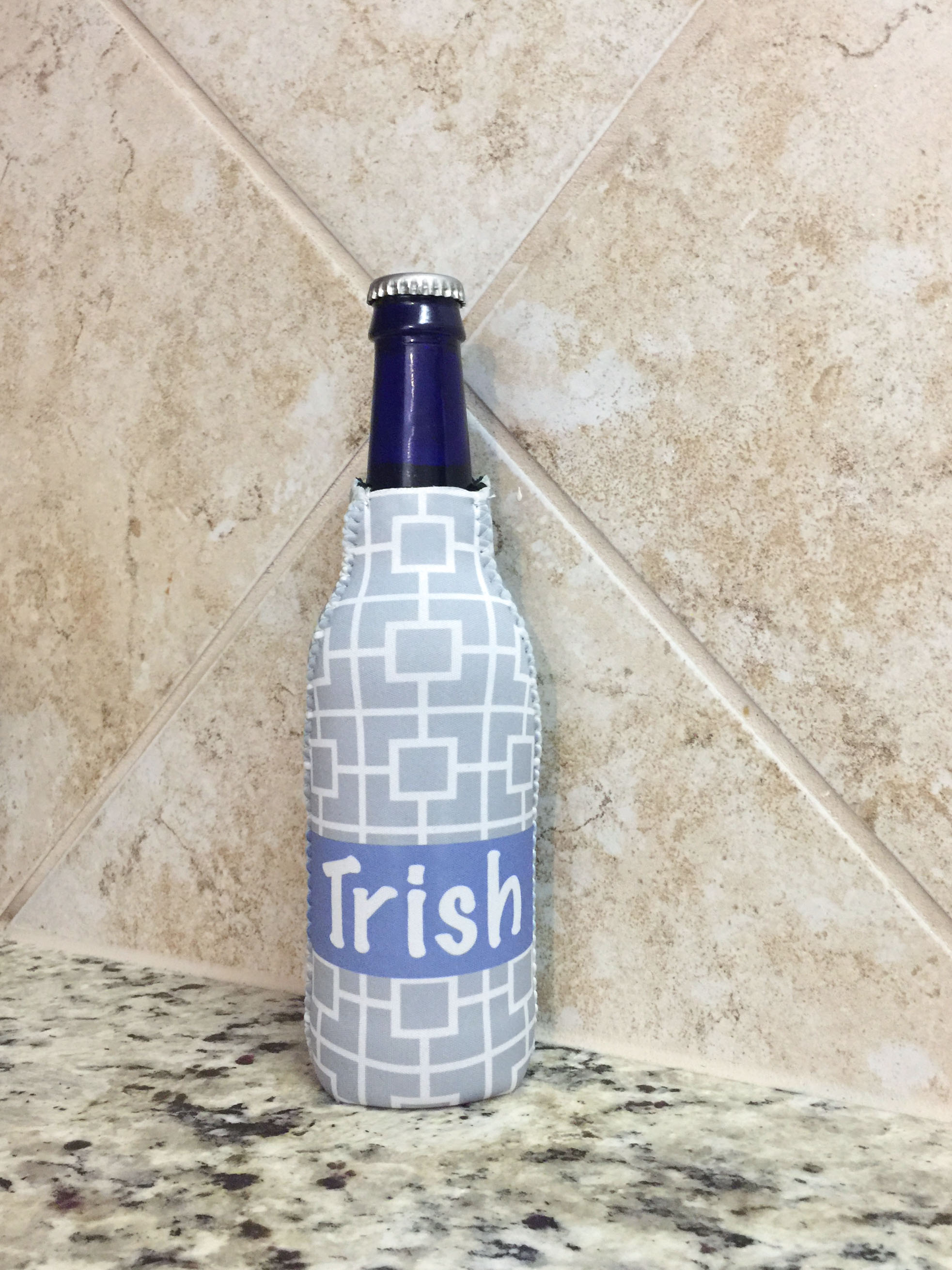 personalized zippered bottle beverage insulator - Squares