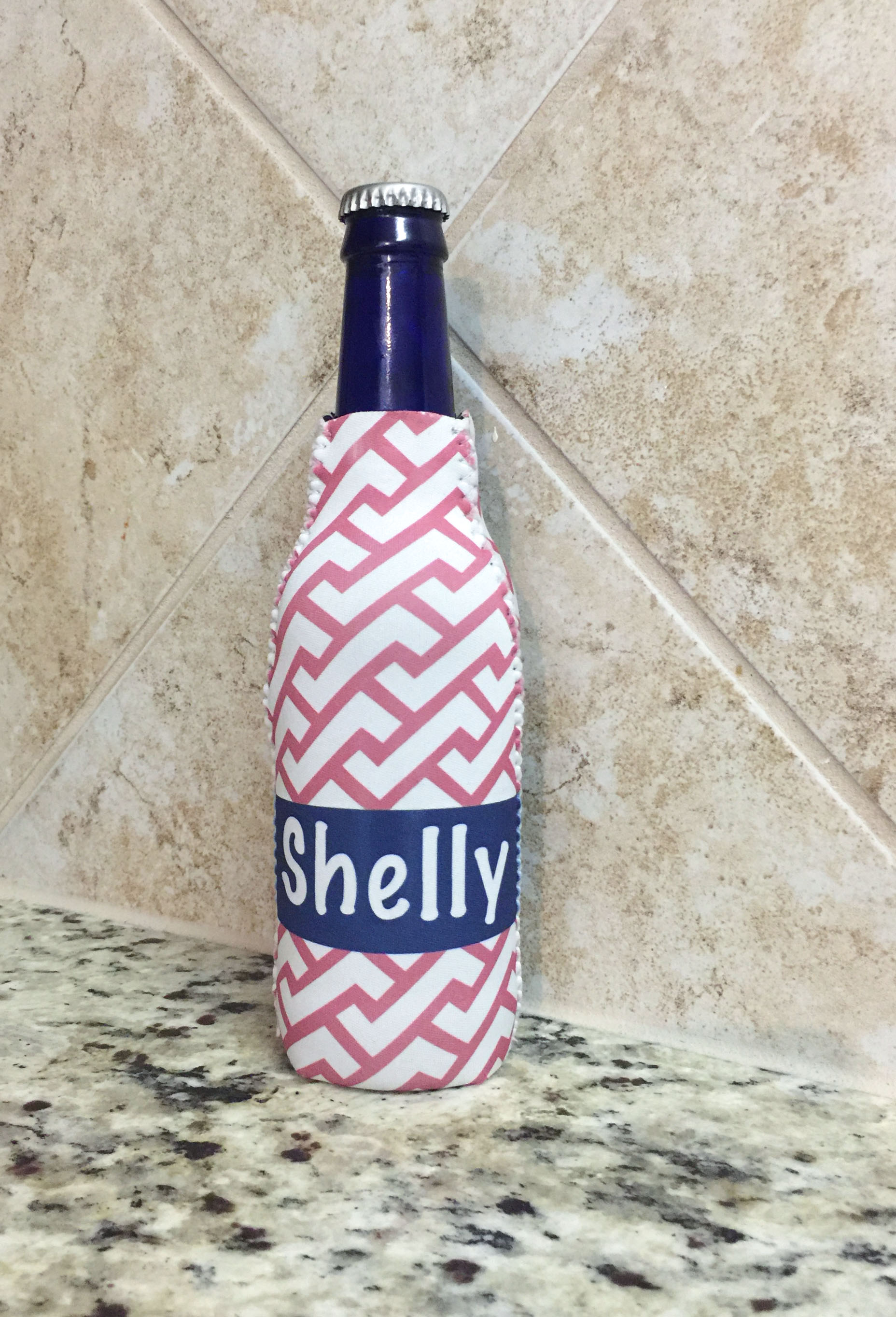 personalized zippered bottle beverage insulator - Zig Zag